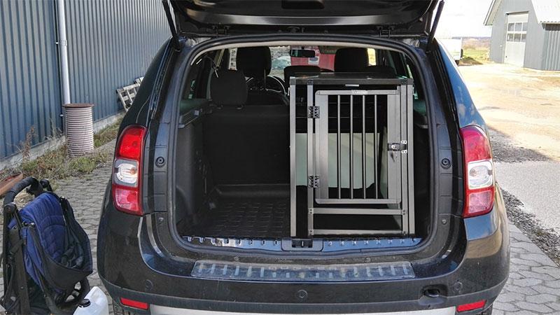 b-Safe Medium Long PRO med trin - Dacia Duster 2016