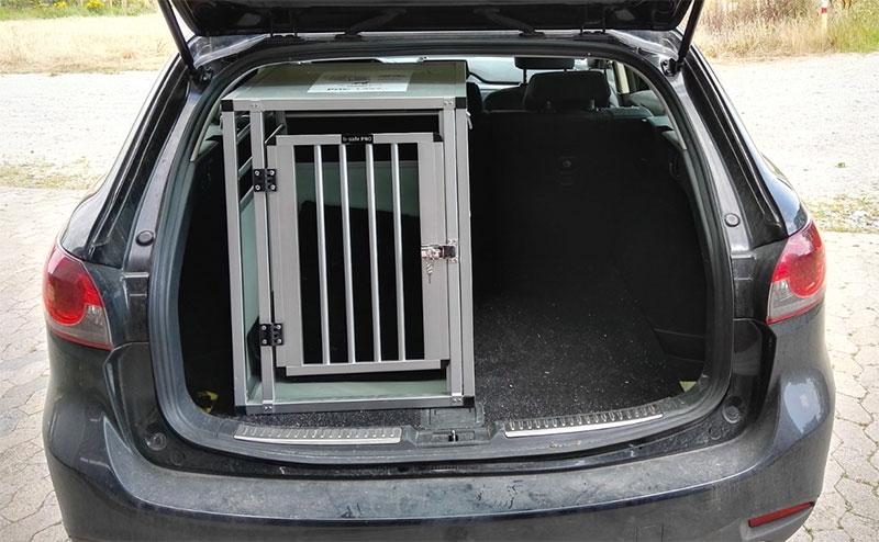 b-Safe Medium Long PRO grå i Mazda 6 Stationcar
