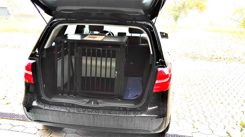 b-Safe Large Wide PRO hundebur i Mercedes B200 fra 2012