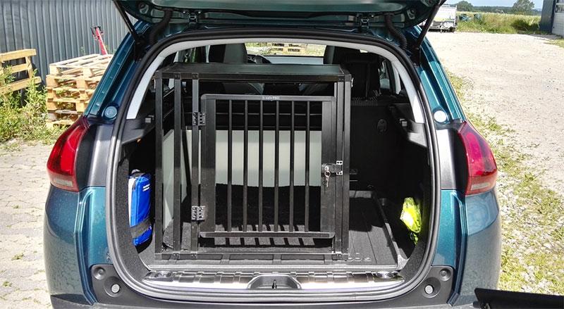 b-Safe Medium Wide PRO - Peugeot 2008 2017