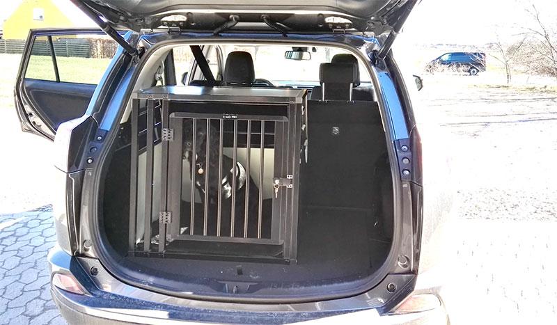 b-Safe Medium Wide PRO - Toyota RAV4 Hybrid 2017