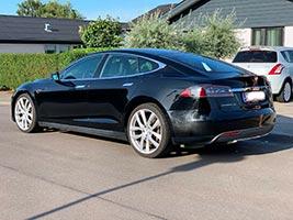 Hundebur Til Tesla Model S